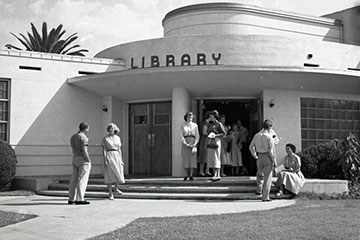 historic image of library at Pepperdine College
